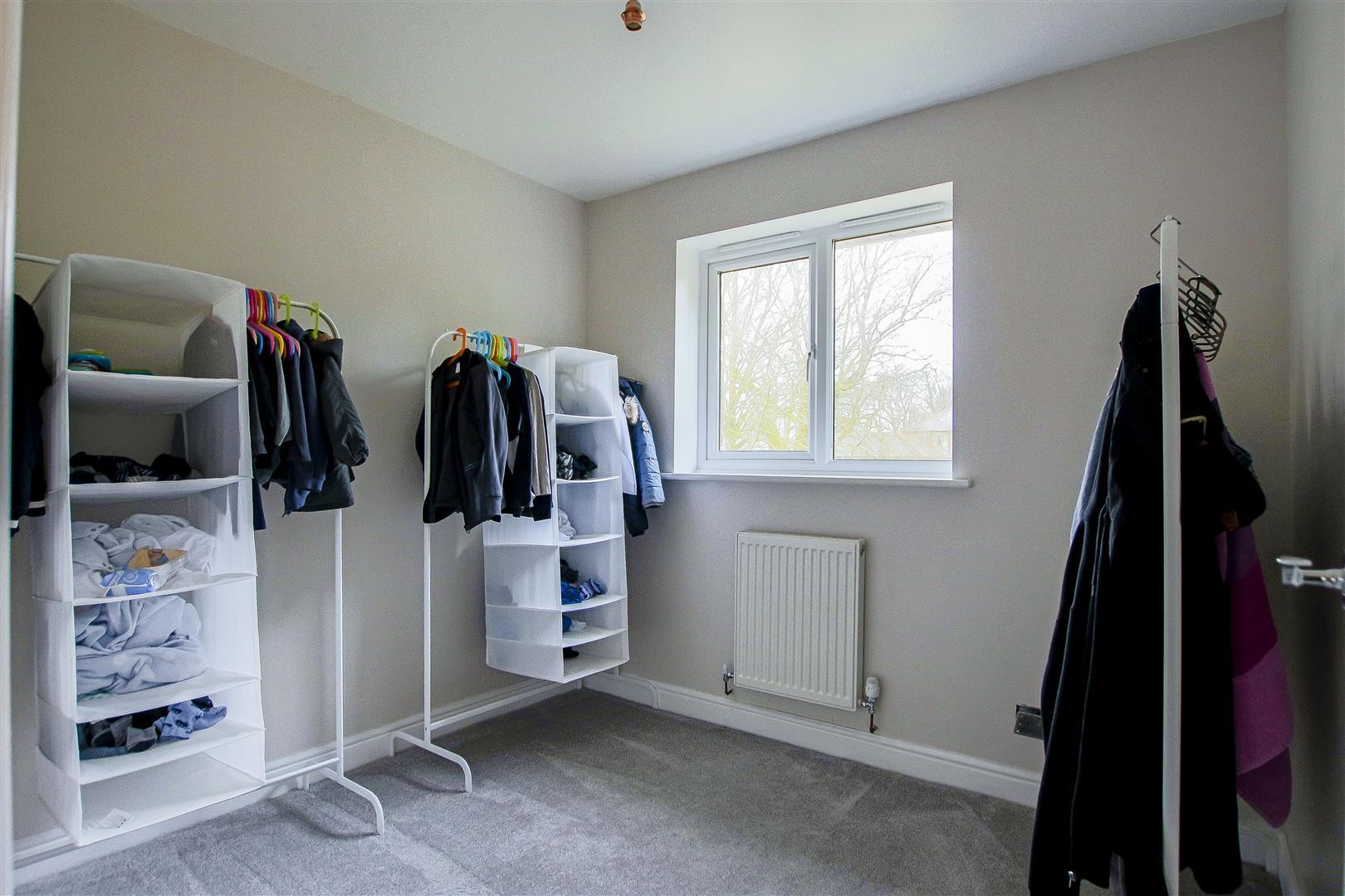 5 Bedroom Detached House For Sale - 15.jpg